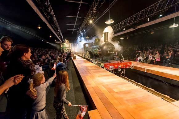 The railway children tickets london box office - Kings cross ticket office opening times ...