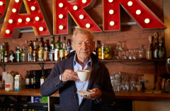 Sir Ian McKellen to star in a fringe theatre fundraiser
