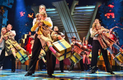 Review: ANNIE THE MUSICAL at Piccadilly Theatre