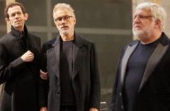 Review: THE LEHMAN TRILOGY at the National Theatre